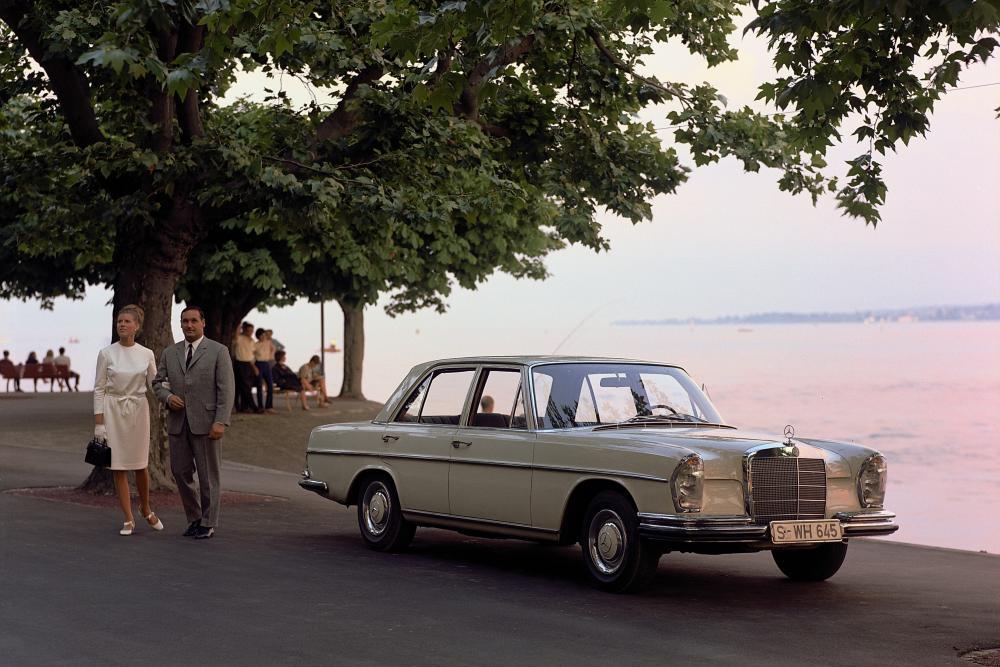 Mercedes-Benz W108 1 поколение (1965-1973) Седан