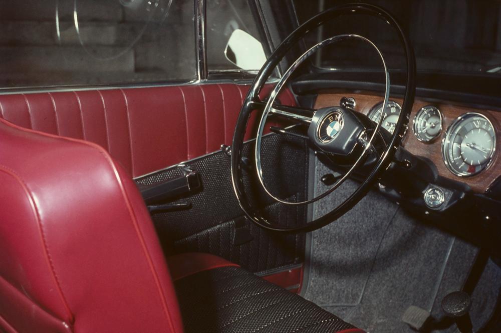 BMW New Class 1800 (1963-1971) Седан интерьер