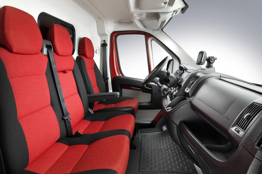Fiat Ducato 4 поколение Single Cab шасси 2-дв. кабина, интерьер