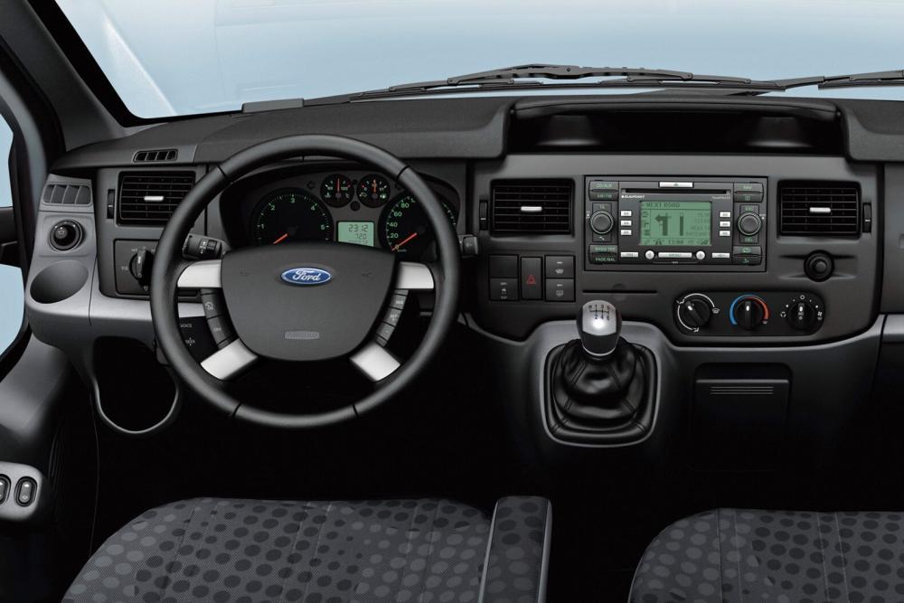 Ford Transit 6 поколение Chassis Cab шасси 2-дв. интерьер