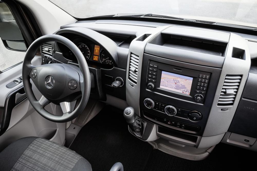 Mercedes-Benz Sprinter W906 рестайлинг Микроавтобус интерьер