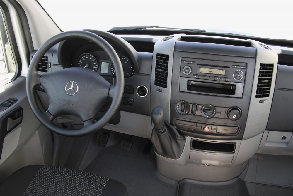 Mercedes-Benz Sprinter W906 Борт 4-дв. кабина