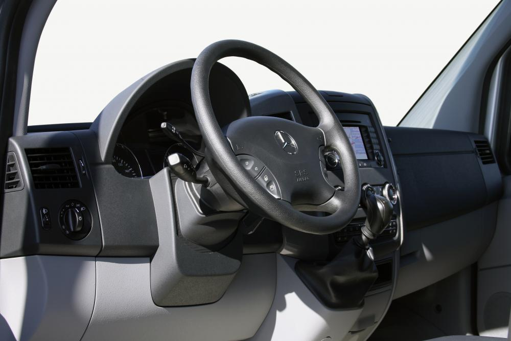 Mercedes-Benz Sprinter W906 Микроавтобус интерьер
