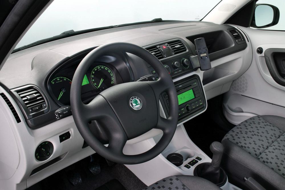 Skoda Praktik 1 поколение (2007-2010) Фургон интерьер