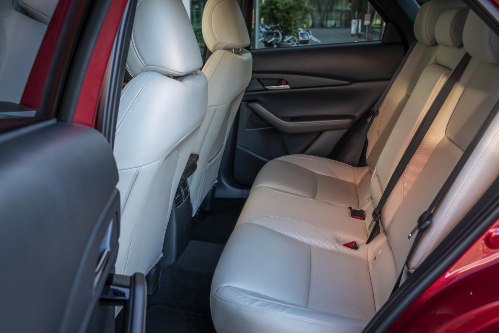 Mazda CX-30 1 поколение (2019) Кроссовер интерьер