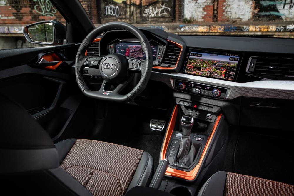 Audi A1 2 поколение (2019) Citycarver интерьер