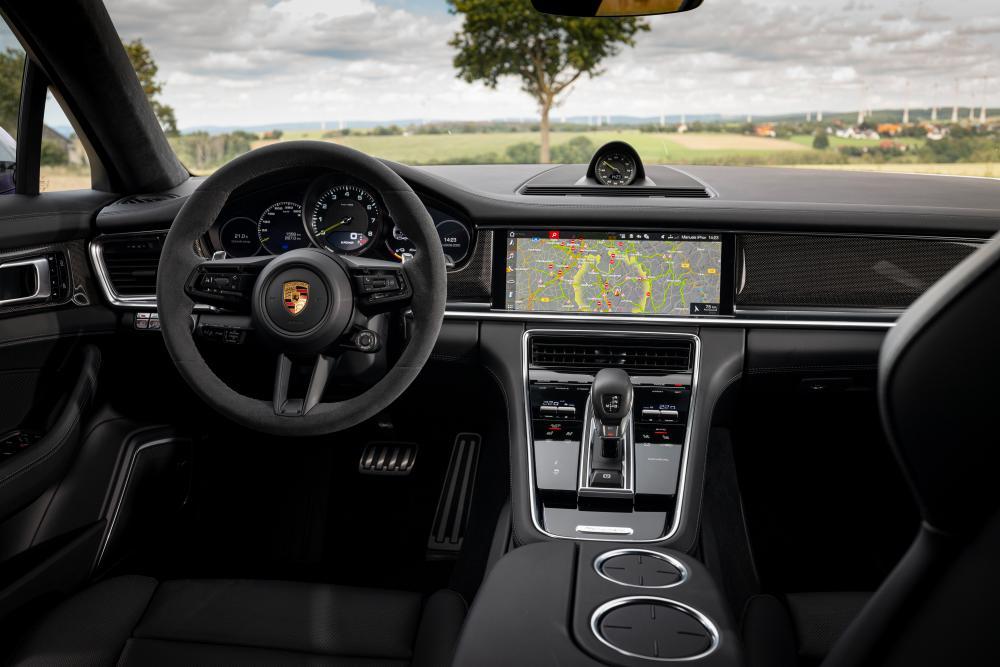 Porsche Panamera 2 поколение [рестайлинг] (2020) Универсал 5 дв. интерьер