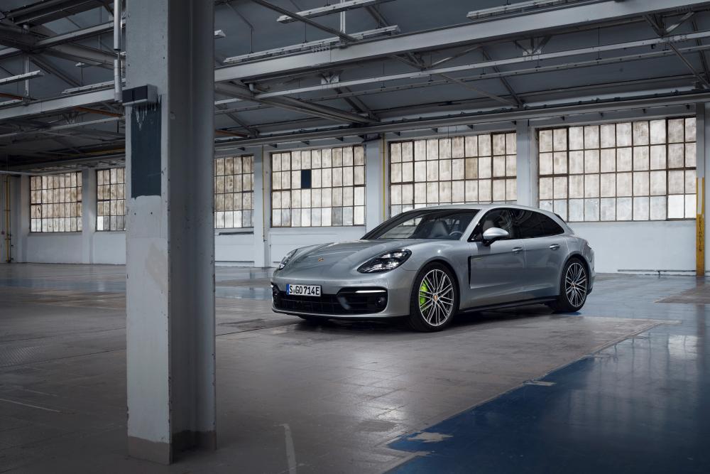 Porsche Panamera 2 поколение [рестайлинг] (2020) Универсал 5 дв.