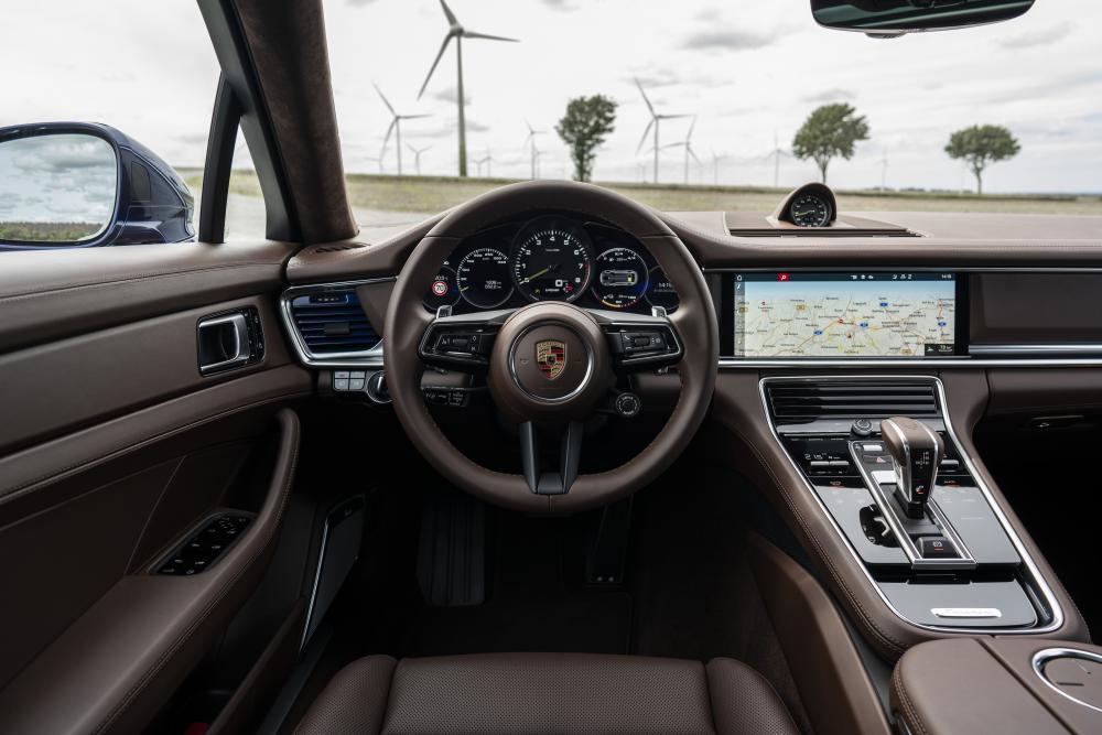 Porsche Panamera 2 поколение [рестайлинг] (2020) лифтбек интерьер