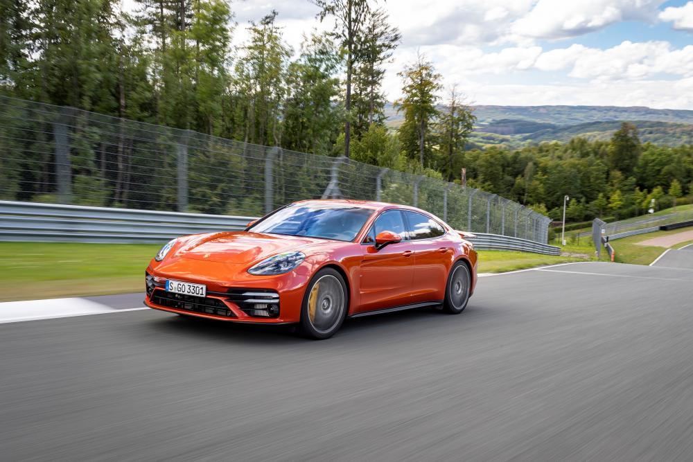 Porsche Panamera 2 поколение [рестайлинг] (2020) лифтбек