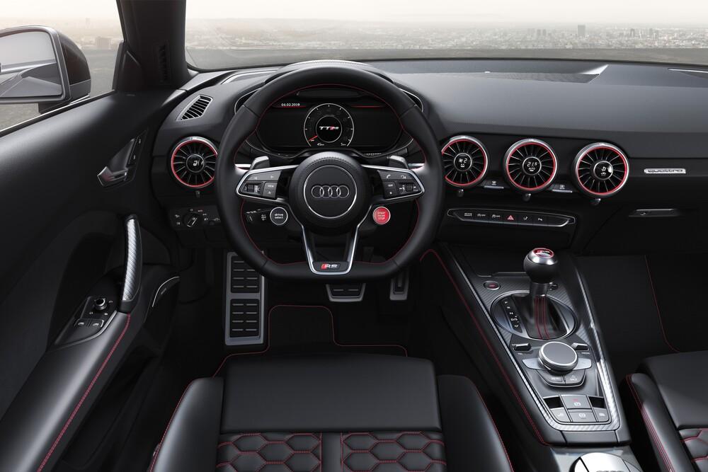 Audi TT RS 8S [рестайлинг] (2019) Родстер интерьер