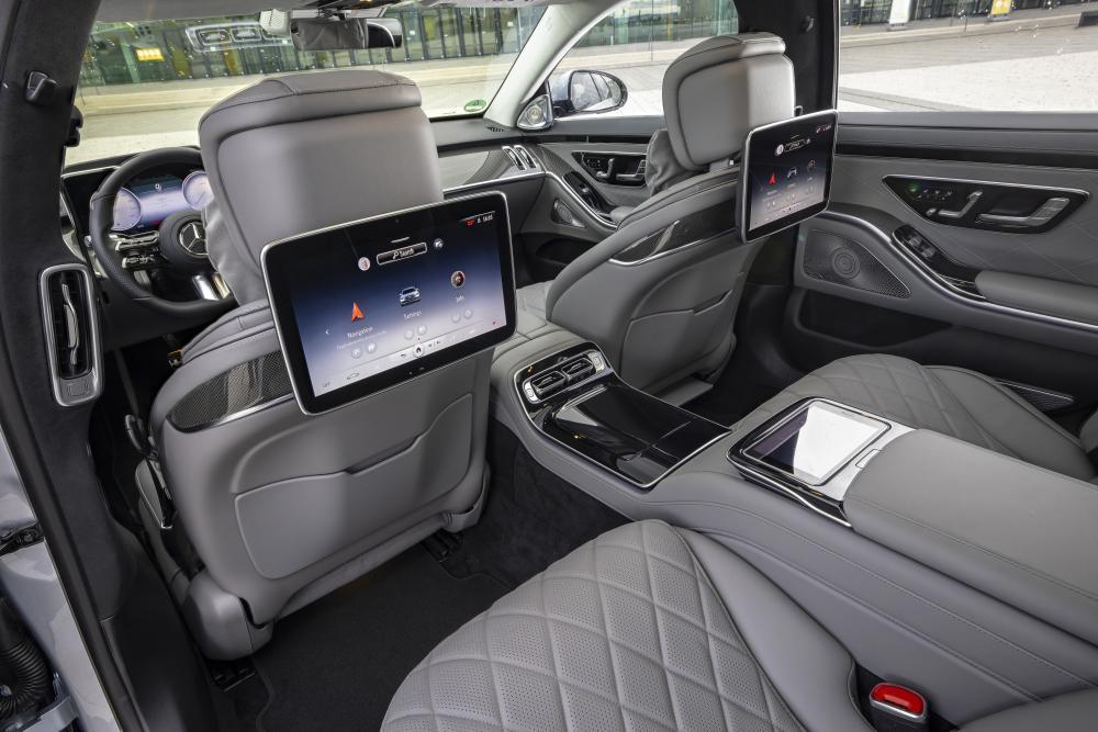 Mercedes-Benz S-Класс 7 поколение (W223) (2020) Седан интерьер