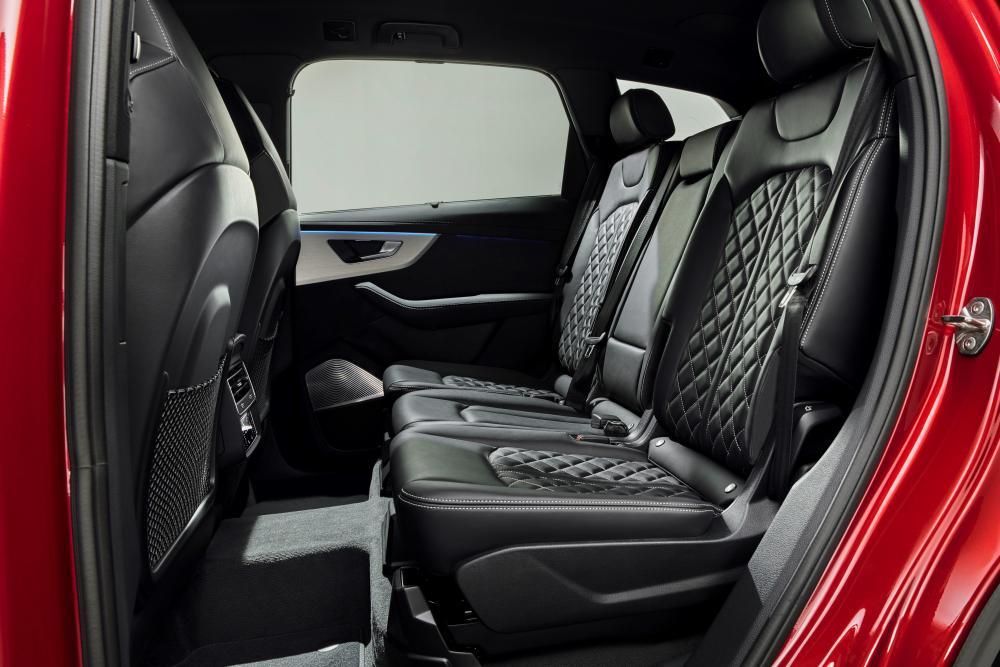Audi Q7 2 поколение рестайлинг интерьер, задний ряд