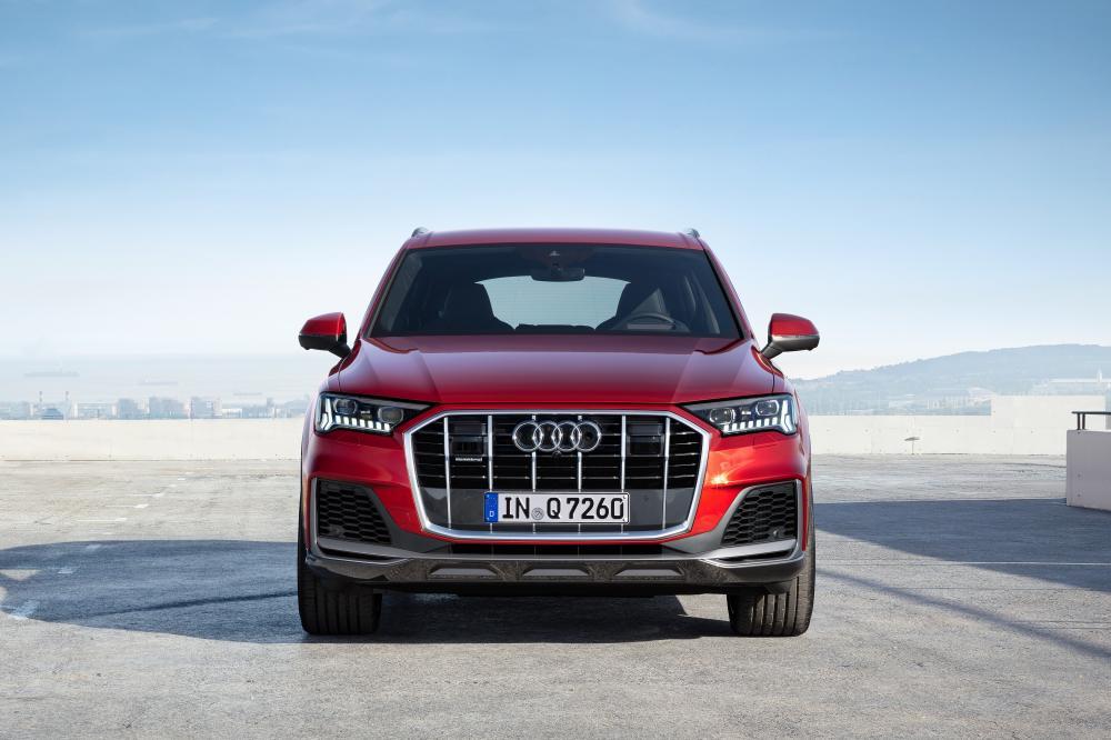 Audi Q7 2 поколение рестайлинг вид спереди