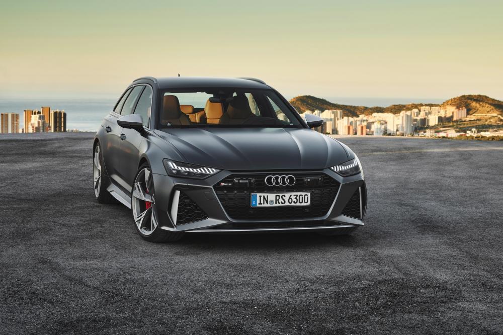 Audi RS Avant 6 C8 4 поколение вид спереди