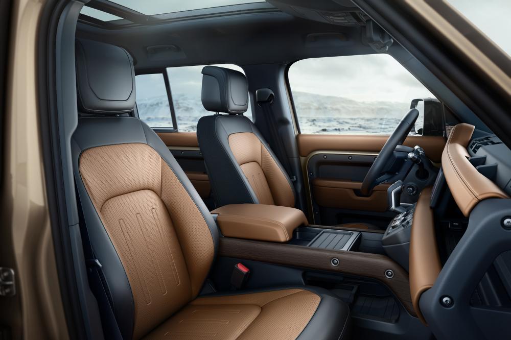 Land Rover Defender 2 поколение интерьер