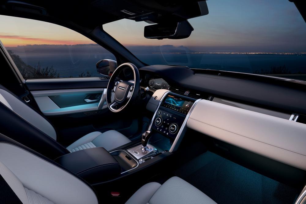 Land Rover Discovery Sport 2 поколение интерьер