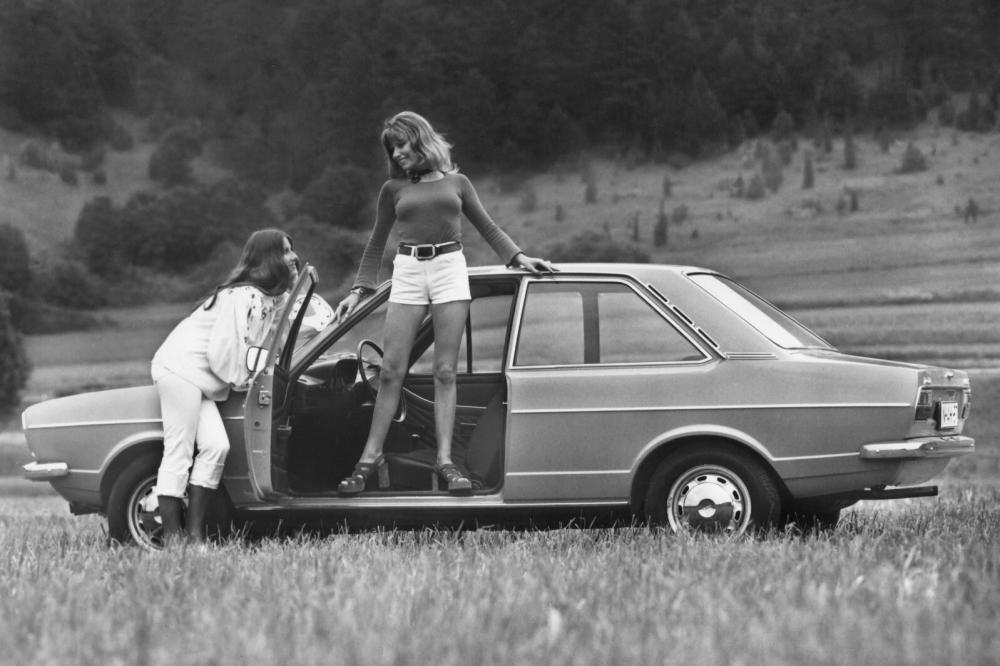 Audi 80 B1 (1972-1976) Седан 2-дв.