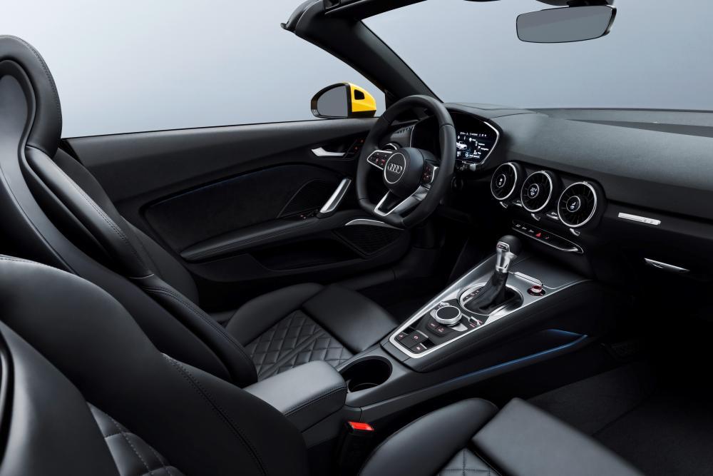 Audi TT 8S [рестайлинг] (2018) Родстер 2-дв. интерьер