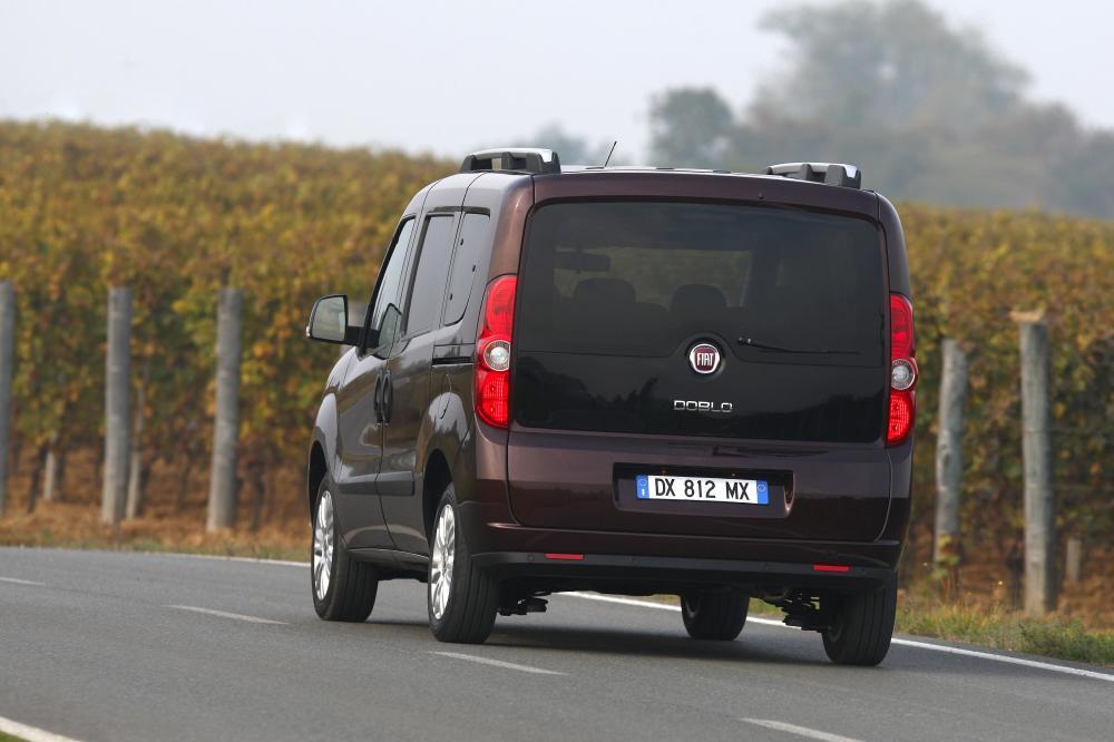 Fiat Doblo 2 поколение Минивэн 4-дв.