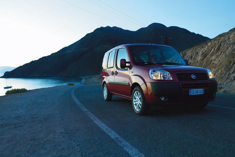 Fiat Doblo 1 поколение рестайлинг Panorama минивэн