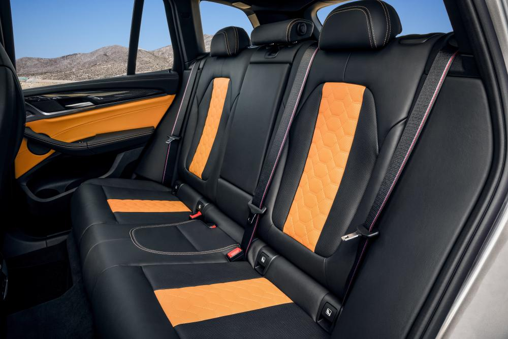 BMW X3 M 1 поколение (2019) кроссовер интерьер