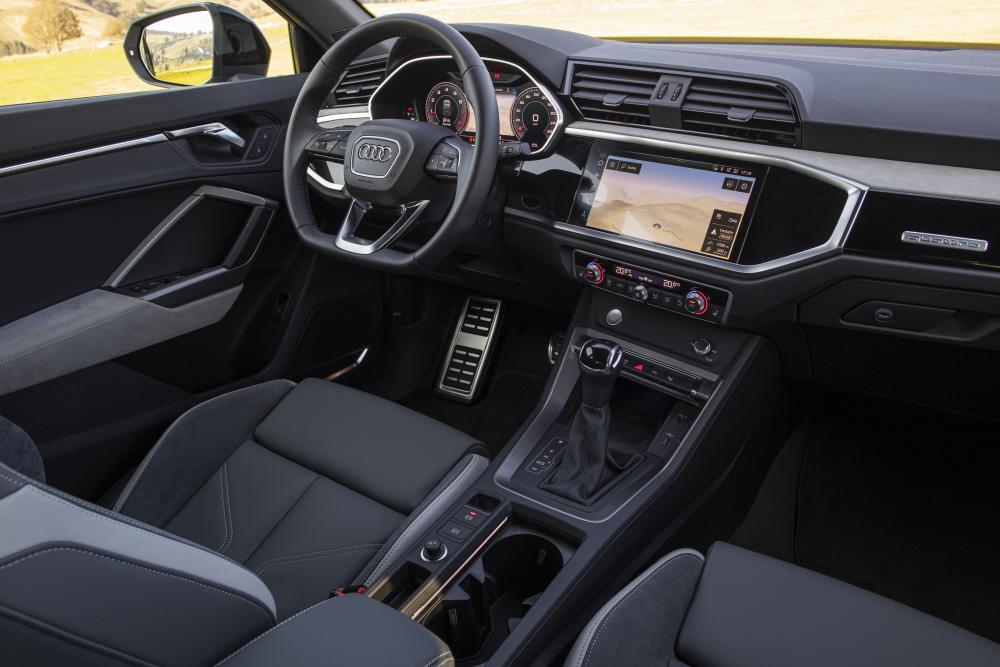Audi Q3 Sportback 1 поколение интерьер