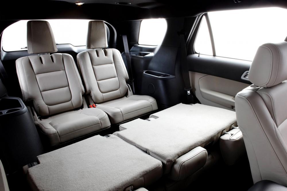 Ford Explorer 5 поколение интерьер