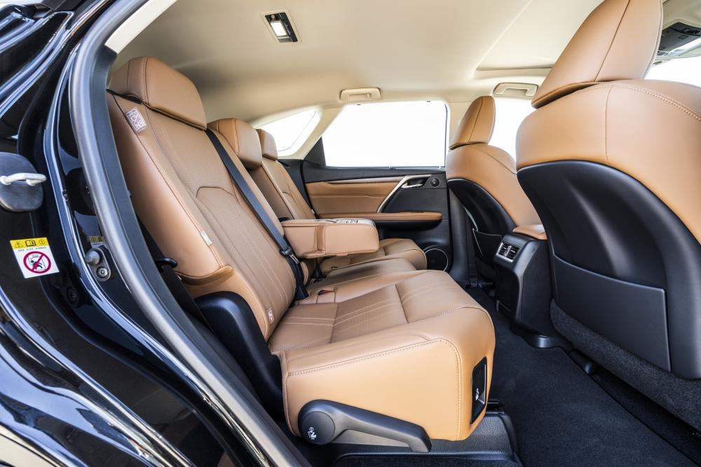 Lexus RX 4 поколение рестайлинг 2019 интерьер