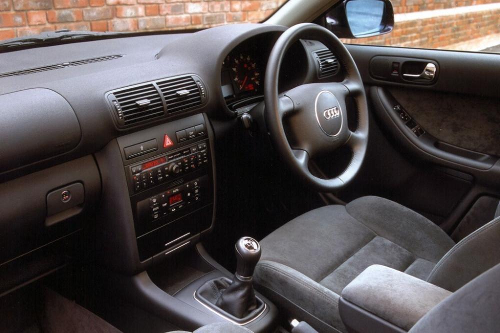 Audi A3 8L [рестайлинг] (2000-2003) Хетчбэк интерьер