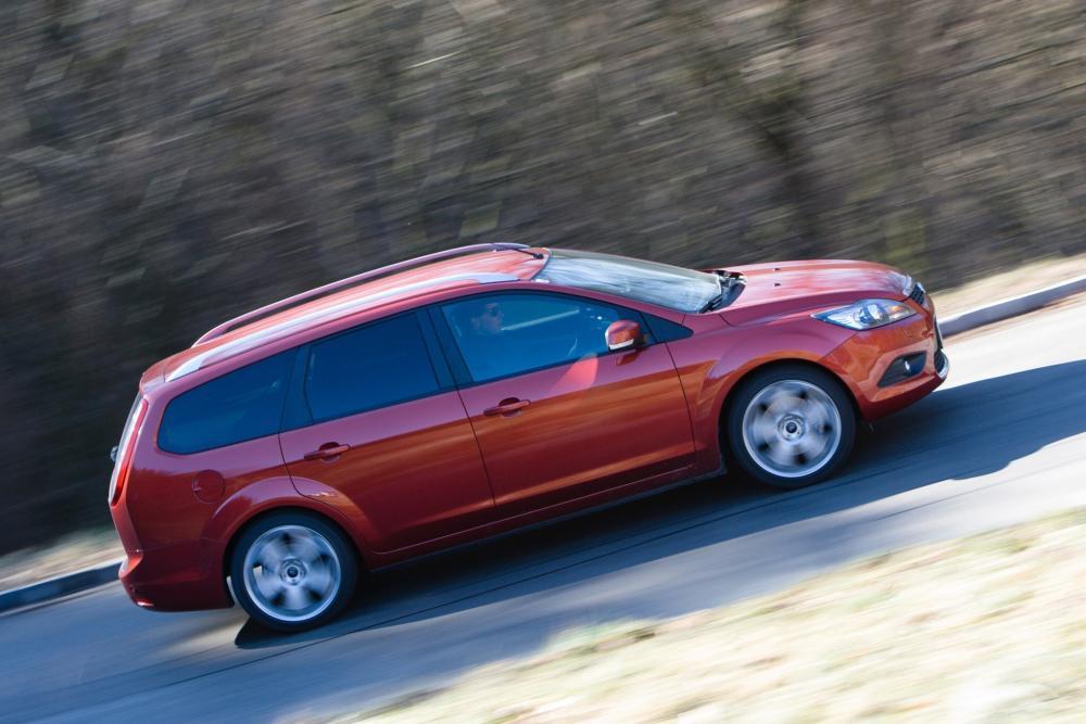 Ford Focus 2 поколение рестайлинг универсал 5-дв.
