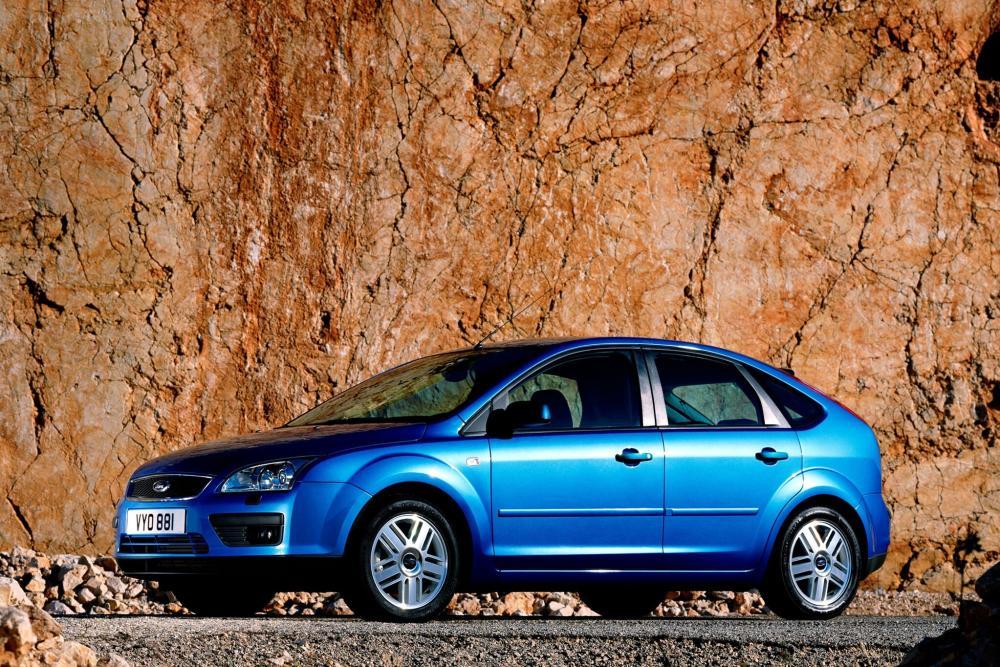 Ford Focus 2 поколение хетчбэк 5-дв.