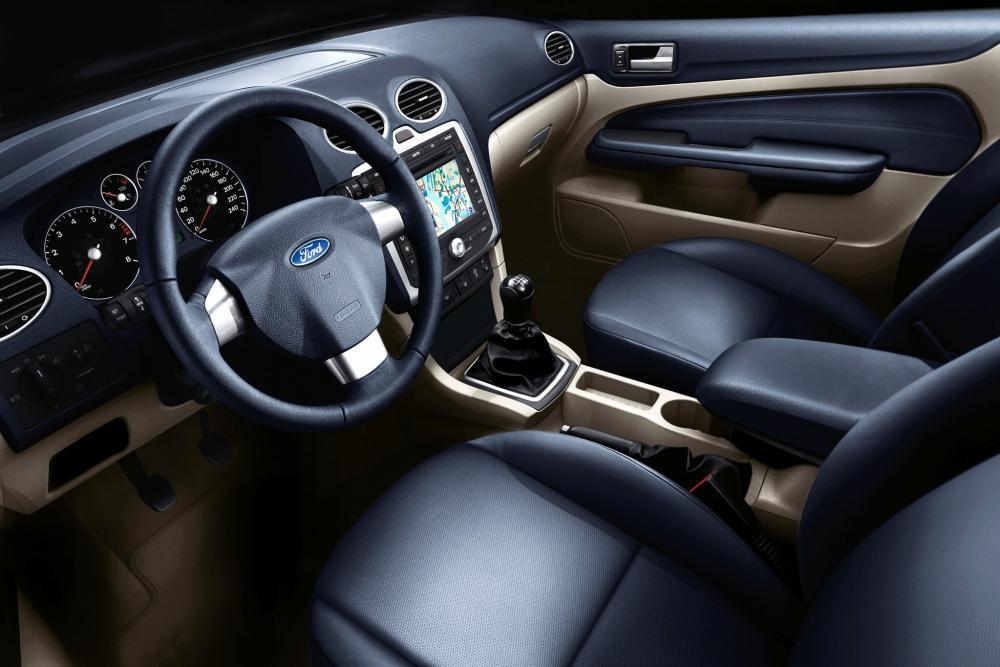 Ford Focus 2 поколение универсал 5-дв. интерьер