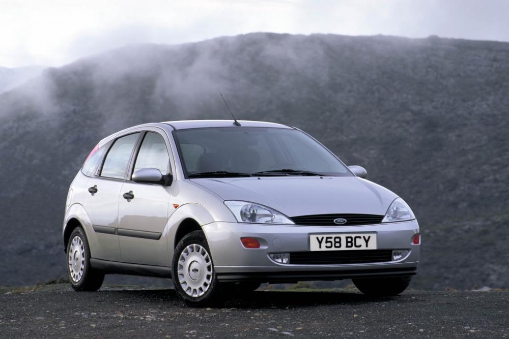 Ford Focus 1 поколение хетчбэк 5-дв.