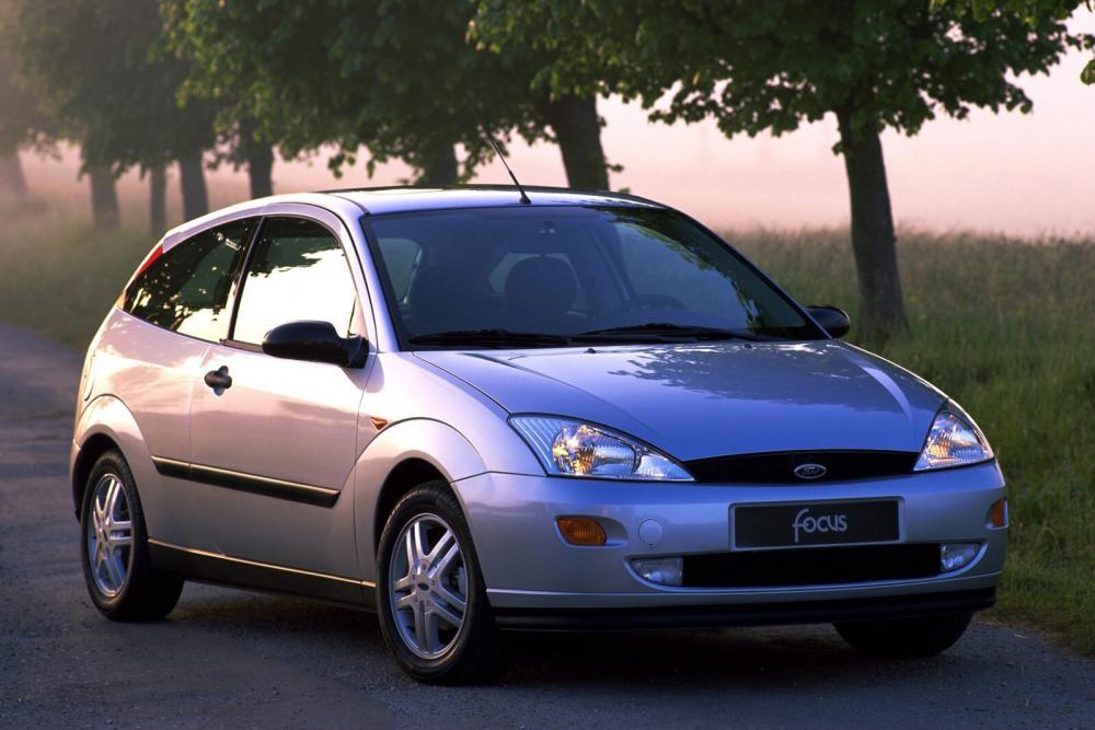 Ford Focus 1 поколение хетчбэк 3-дв.