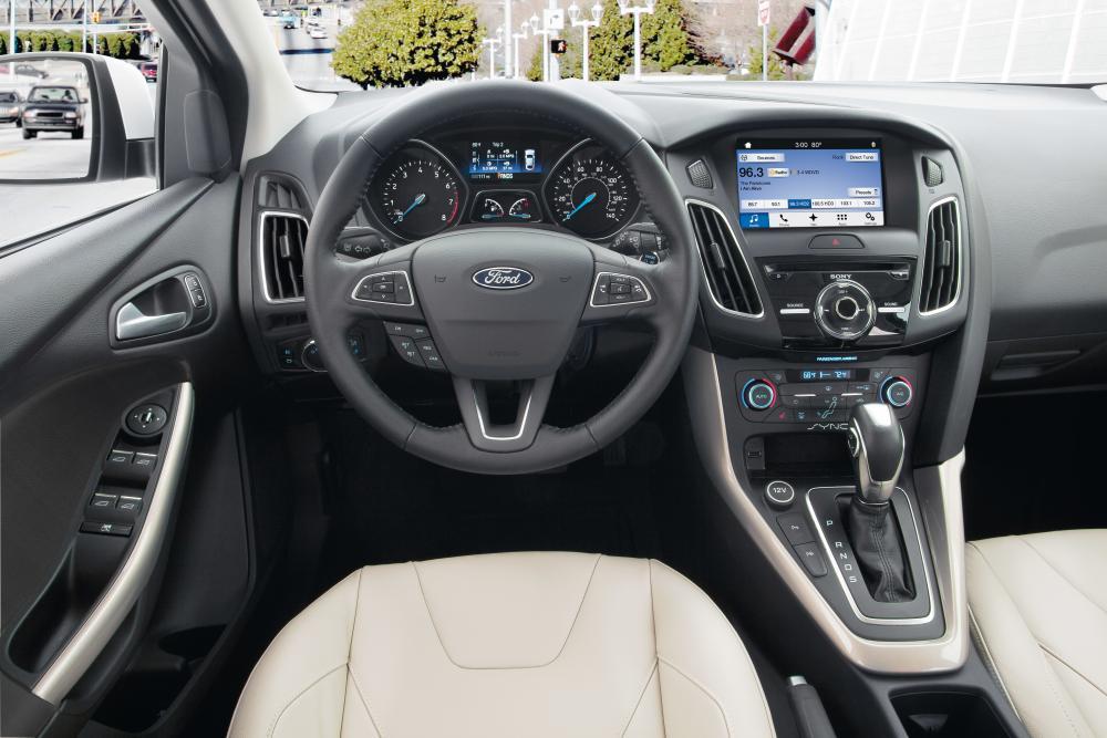 Ford Focus 3 поколение рестайлинг седан интерьер