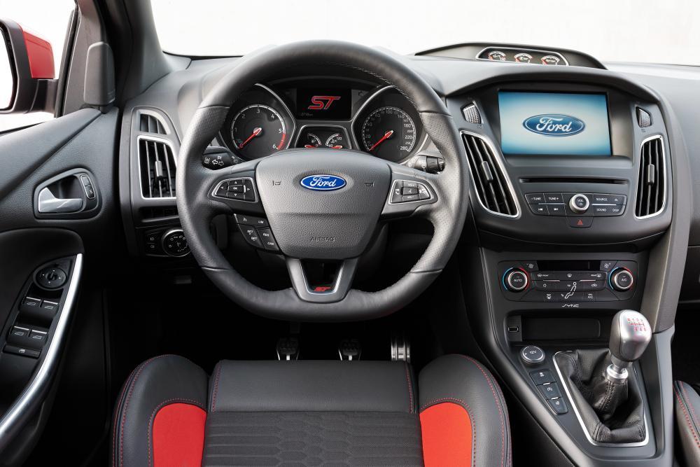 Ford Focus 3 поколение рестайлинг ST хетчбэк 5-дв. интерьер