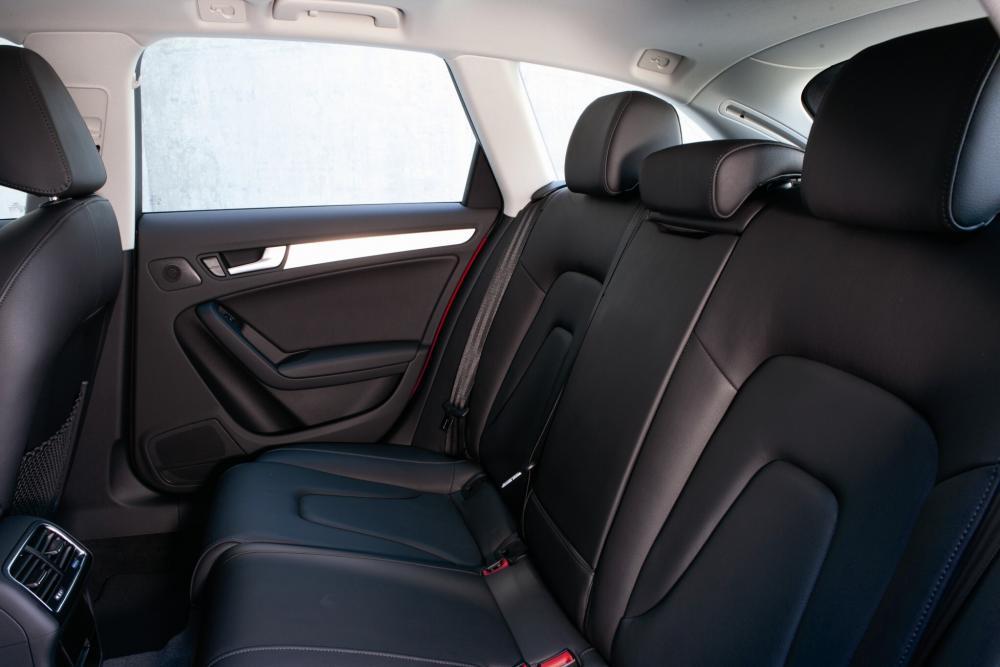 Audi A4 B8/8K (2008-2011) Универсал 5-дв. интерьер