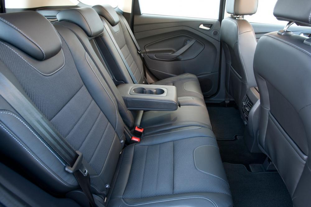 Ford Kuga 2 поколение Кроссовер интерьер