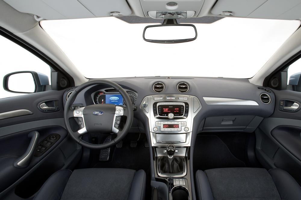 Ford Mondeo 4 поколение Седан интерьер