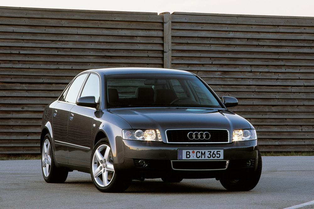 Audi A4 2 поколение B6 (2000-2005) Седан