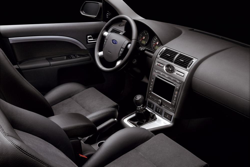 Ford Mondeo 3 поколение рестайлинг Седан интерьер