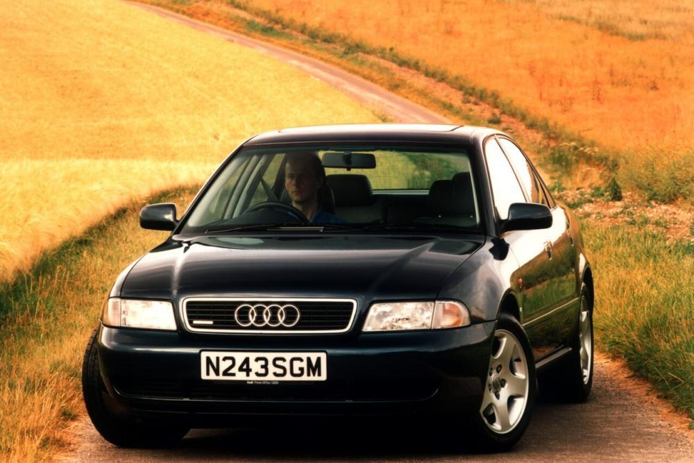 Audi A4 1 поколение B5 (1994-1999) Седан