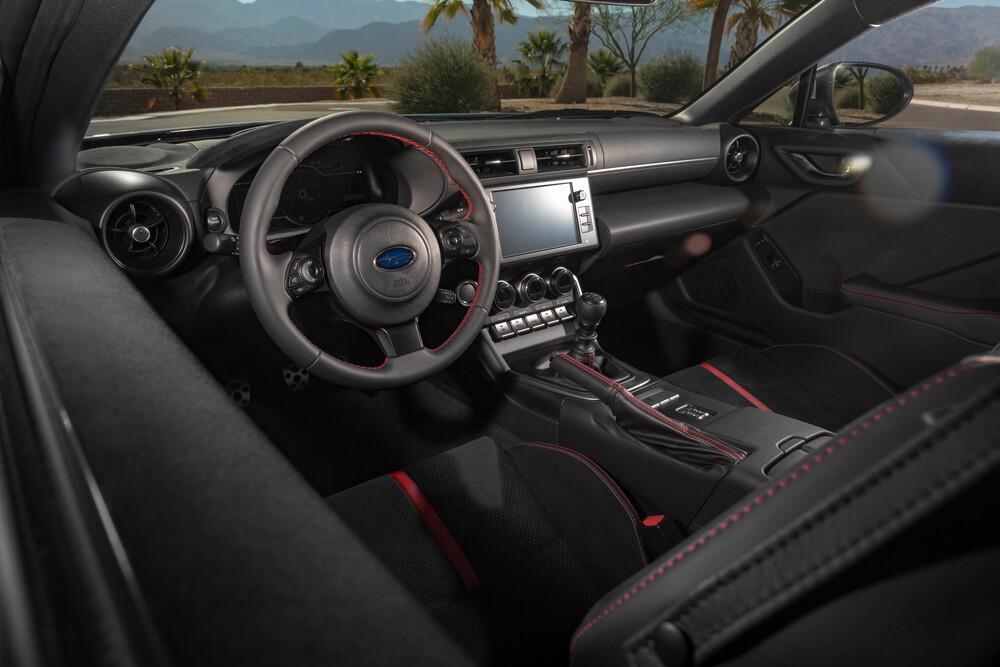 Subaru BRZ 2 поколение (2021) Купе интерьер