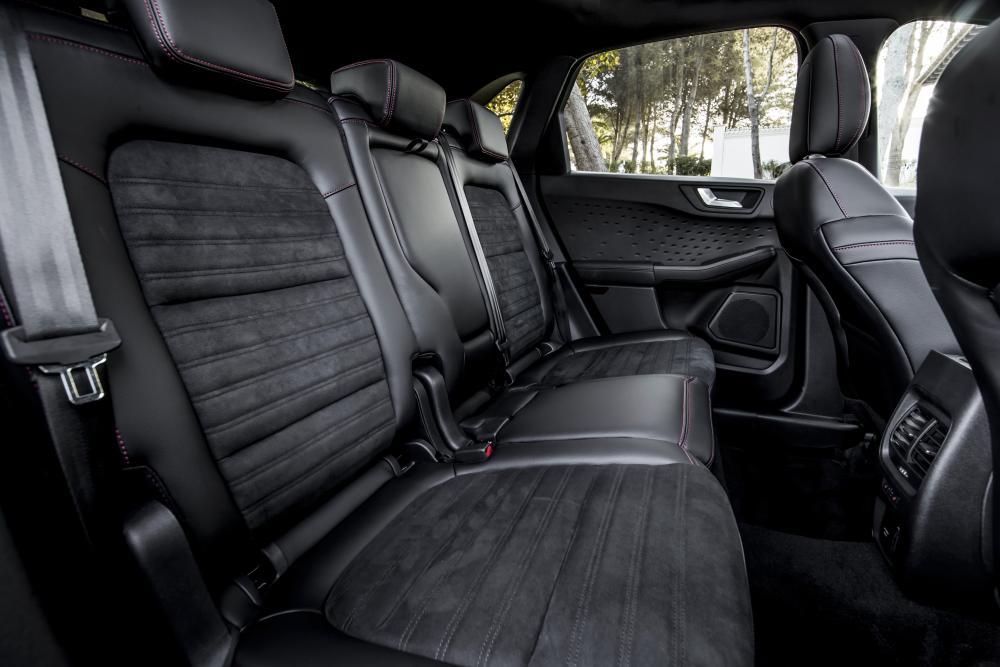 Ford Kuga 3 поколение (2019) интерьер