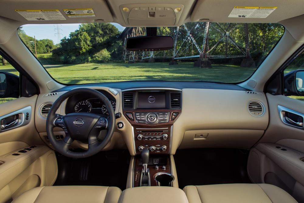 Nissan Pathfinder 4 поколение R52 [рестайлинг] (2016-2021) интерьер