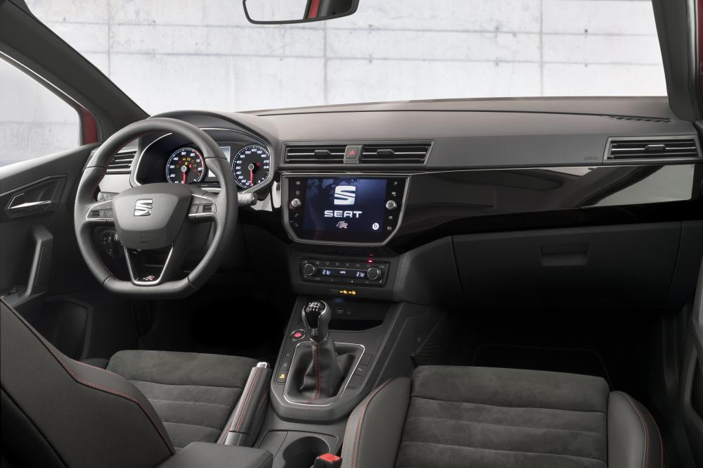 SEAT Ibiza 5 поколение Хэтчбек интерьер