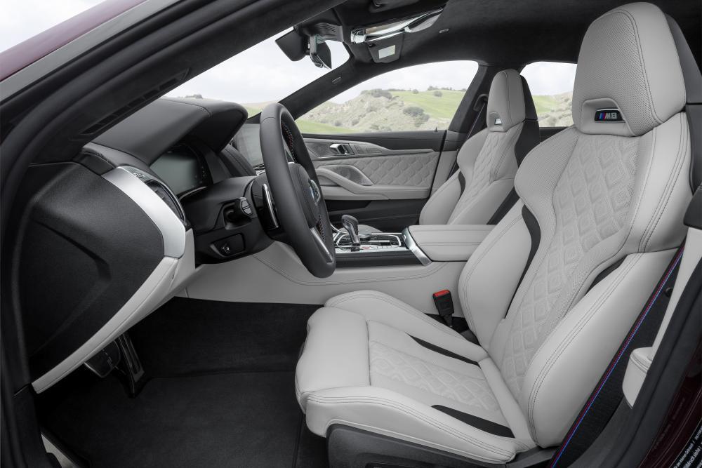 BMW M 8 Gran Coupe 1 поколение F93 (2019) интерьер