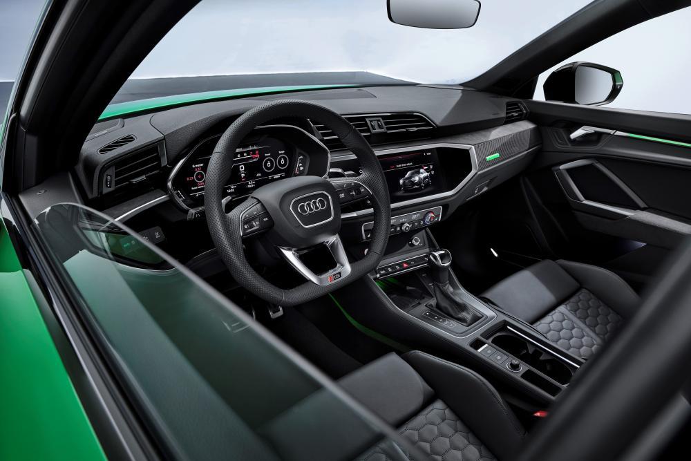 Audi RS Q3 Sportback 1 поколение F3 интерьер