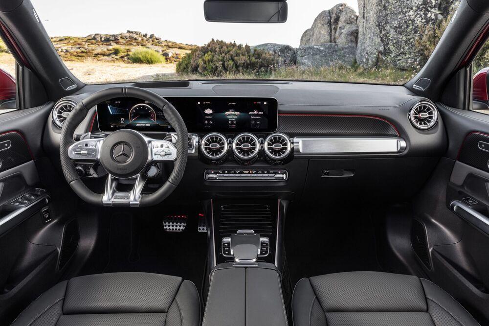 Mercedes-AMG GLB 1 поколение X247 (2019) Внедорожник 5 дв. интерьер